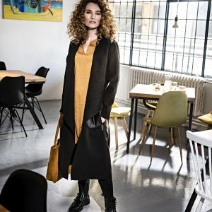 kabát s džínovými kapsami  