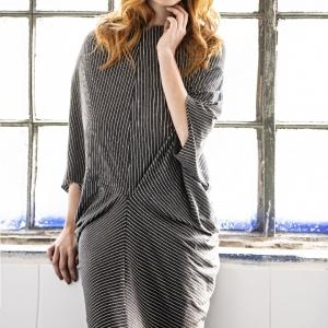 úpletové šaty, které lze použít i jako top  