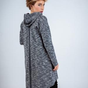 dlouhý svetr s kapucí |