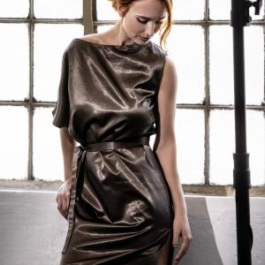 asymetrické šaty |